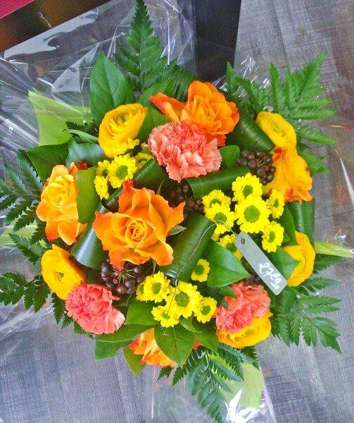 bouquets et compositions de fleurs oranges fleuriste alen on. Black Bedroom Furniture Sets. Home Design Ideas