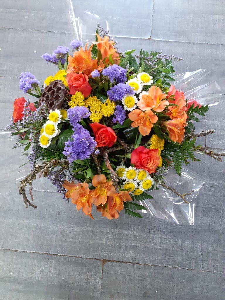 Bouquet champêtre coloré