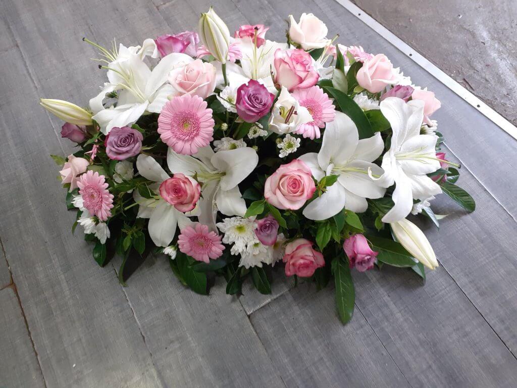 Gerbe de fleurs pour deuil